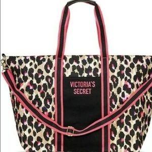 Victoria's Secret leopard zip tote bag NWT